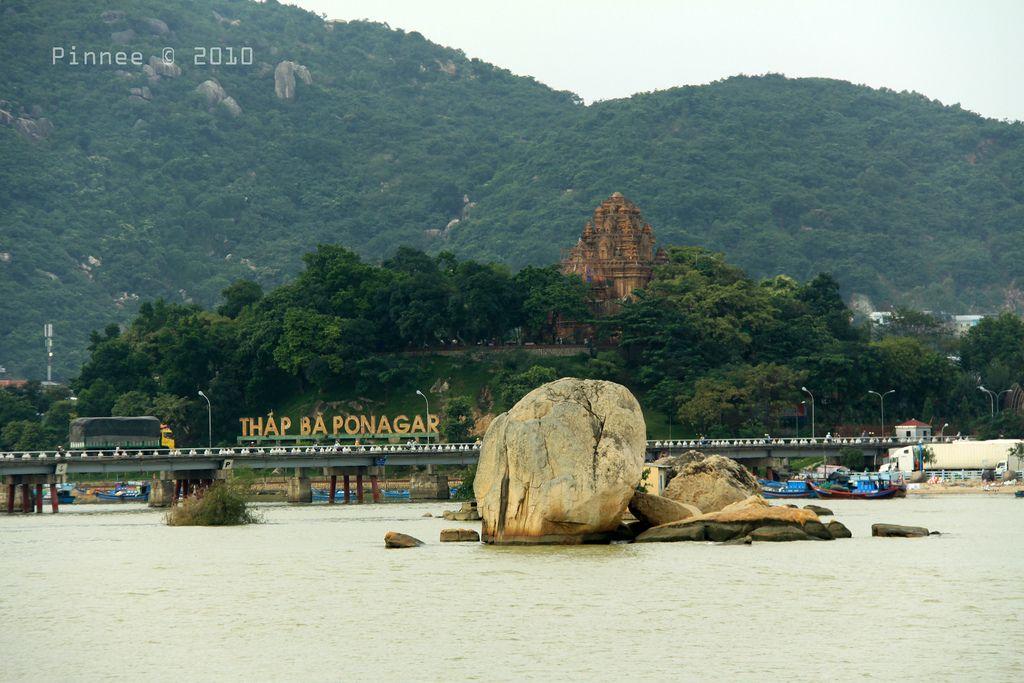 Tháp bà Ponagar Những bí ẩn về dấu tích một nền văn minh cổ
